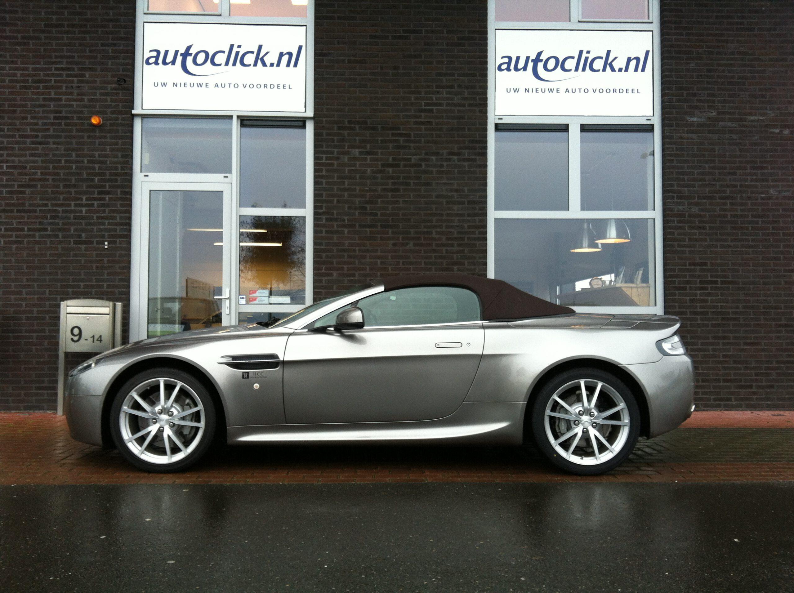 Uit Duitsland geïmporteerde Aston Martin Vintage, een tevreden klant met onze import service